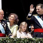 Su Majestad el Rey junto a la Princesa de Asturias, el Rey Don Juan Carlos y la Reina Doña Sofía. © Casa de Su Majestad el Rey / Agencia EFE