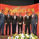 Los premiados en la II Edición de los Premios Taurinos Samueles con el director del Grupo de Comunicación La Cerca.