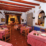 Todo el sabor de La Mancha se refleja en las distintas dependencias del restaurante Nuestro Bar.
