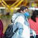 COronavirus- Dos mujeres se protegen con mascarillas en el Aeropuerto Madrid-Barajas Adolfo Suárez. Foto: Europa Press 2020