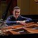 J. M. Quintana Cámara al piano (por Diego PC Fotografía)