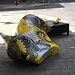"""Pieza de la exposición """"Shoe Street Art"""" que ha aparecido destrozada"""