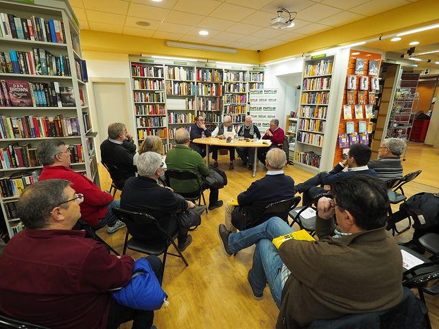 """Presentación del libro \""""Los Carriles de la Vida\"""" de Francisco Naranjo en la Librería Popular de Albacete"""