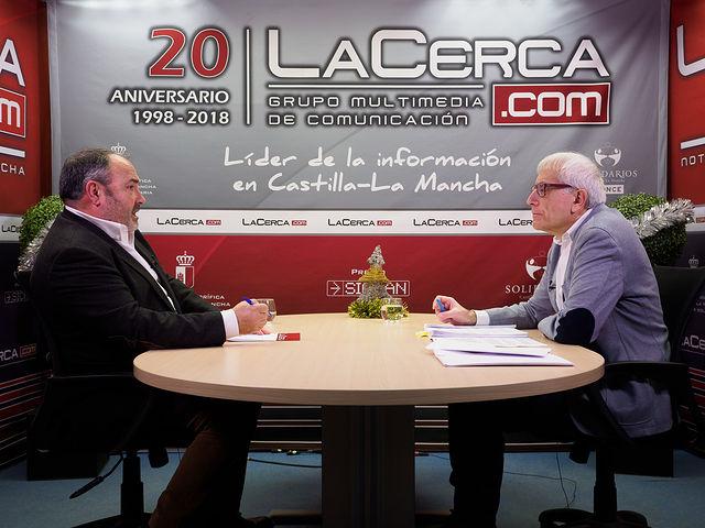 Carlos Pedrosa, secretario regional de UGT en Castilla-La Mancha, junto a Manuel Lozano, director del Grupo Multimedia de Comunicación La Cerca