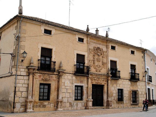 Palacio del Dr. La Encina, considerado como una de las mejores piezas arquitectónicas de La Roda y de toda la provincia.