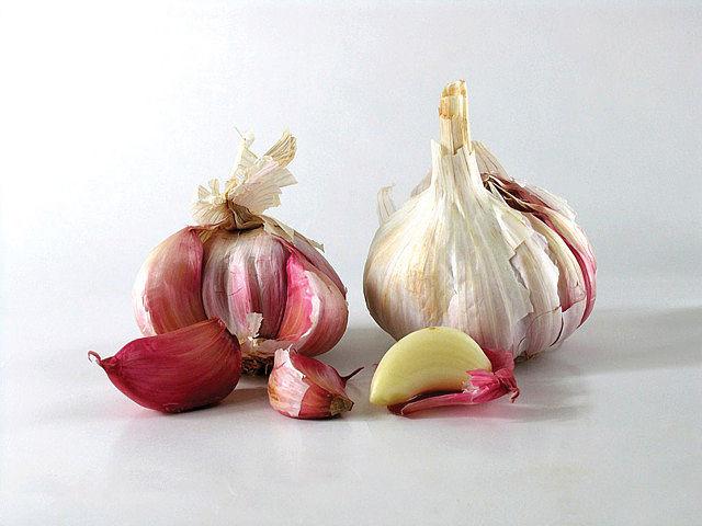 El ajo es un alimento humilde pero esencial en la cocina tradicional española.