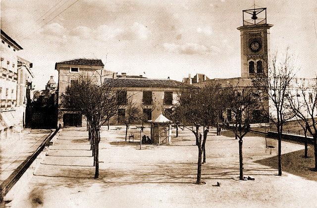 Antigua Plaza Mayor o de la Constitución de Albacete. Fotografía realizada en 1904 por Enrique Navarro Guspi.