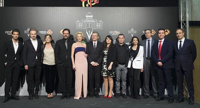 Foto de familia de la presentación de 'La embajada' en el Teatro Circo de Albacete. Foto: FesTVal