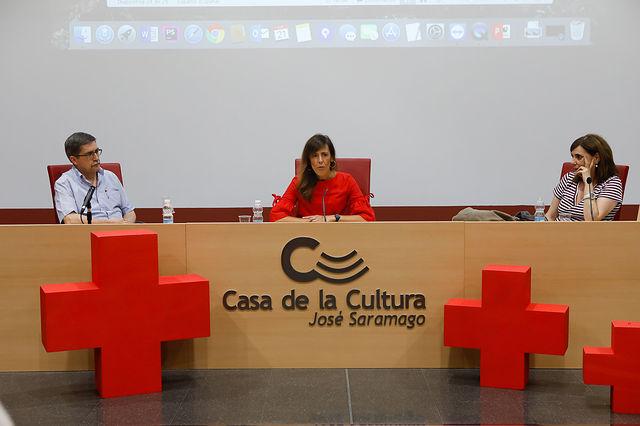 """Presentación del documental \""""Unidades de Emergencia Social de Cruz Roja Albacete\"""" y entrega del reconocimiento como Empresa Socialmente Responsable de Cruz Roja Albacete al Grupo Multimedia de Comunicación La Cerca"""