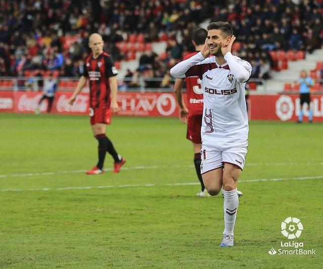 Dani Ojeda celebra el gol ante el Mirandés.