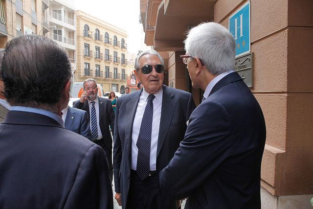 Gala de Entrega de los X Premios Taurinos Samueles, pertenecientes a la Feria Taurina de Albacete 2015. Ricardo Cospedal, padre de María Dolores Cospedal, junto a Manuel Lozano.