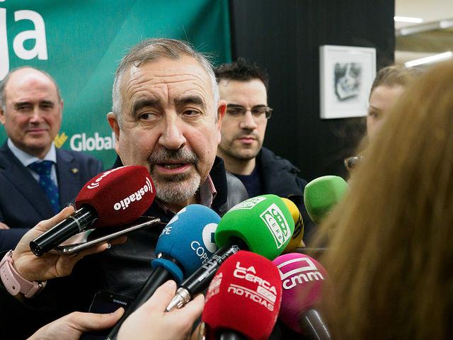 Vicente Córcoles, belenista del Belén de Globalcaja en Albacete. Foto: Manuel Lozano García / La Cerca