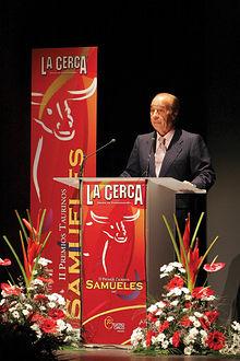 El ganadero Samuel Flores durante su discurso en el Teatro Circo de Albacete.