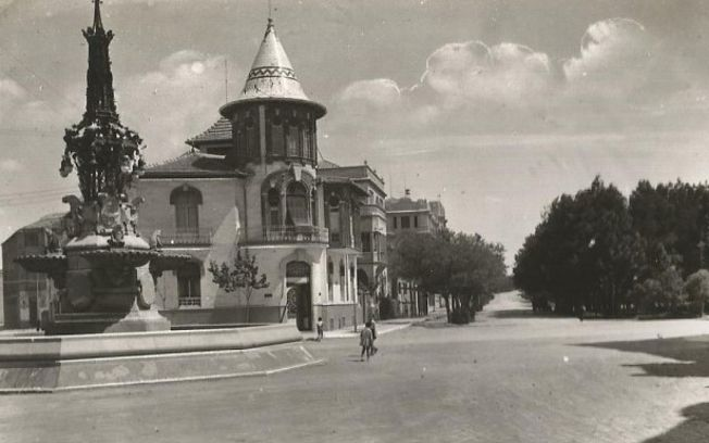 Vista Paseo Canalejas desde Plaza Canalejas.