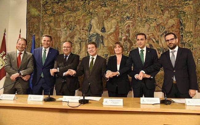 El Gobierno regional hace partícipes a las entidades locales del plan de recuperación económica y social de Castilla-La Mancha a través de los fondos FEDER.