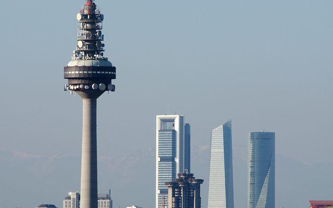 Torre España - Piruli RTVE. Foto: Wikipedia.