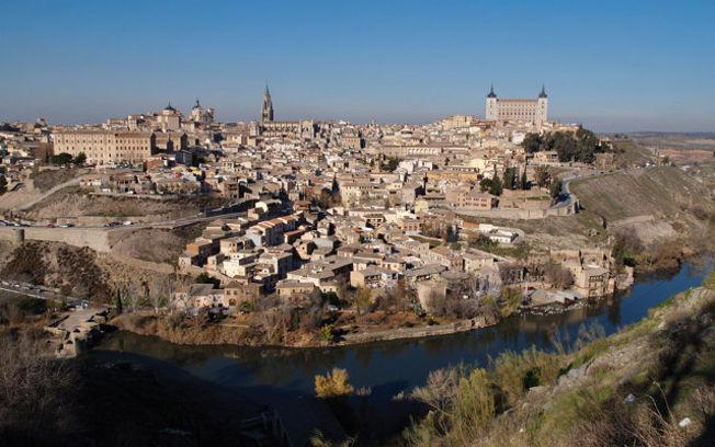 Toledo, capital de Castilla-La Mancha, guarda un tesoro monumental rodeado de una naturaleza de singular belleza