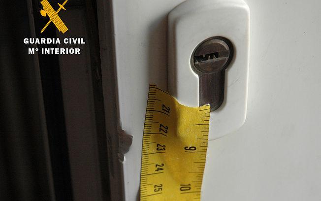 La Guardia Civil detiene a una persona por la comisión de varios delitos de robo y daños en establecimientos hosteleros de Almansa