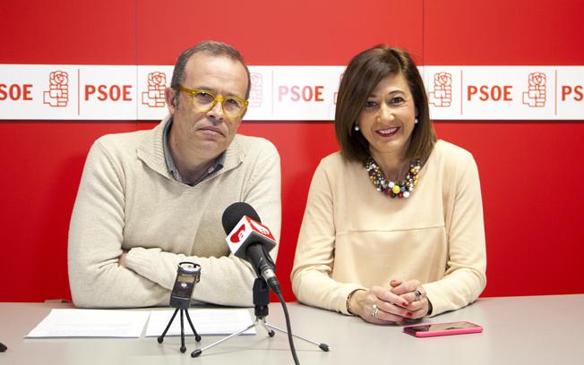 El candidato socialista a las elecciones municipales, Pablo Sánchez, ha presentado a Pilar Callado como parte del proyecto político de PSOE.
