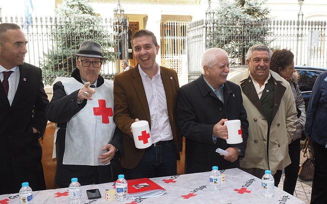 La Diputación colabora en el Día de la Banderita de Cruz Roja.