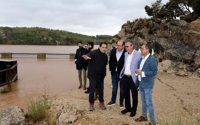 Núñez durante su visita a Almansa.
