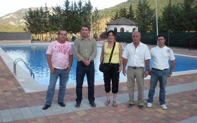 Modesto belinch n inaugura la remodelaci n de la piscina for Piscina municipal albacete