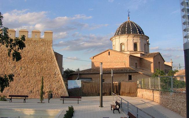 Caudete cuenta con una ubicación excepcional como vía de comunicación entre el Levante y Castilla-La Mancha.