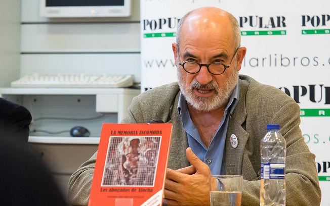 Alejandro Ruiz-Huerta presenta la tercera edición de su libro \